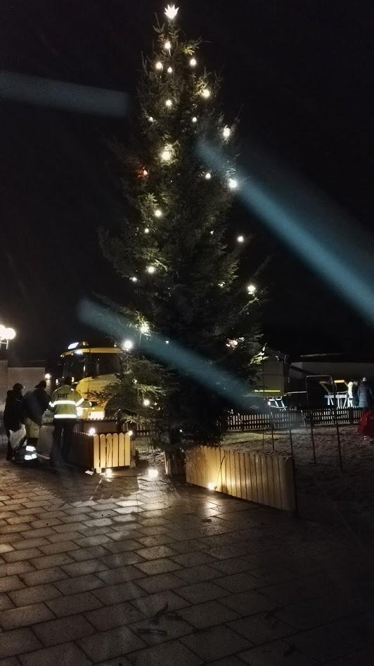 Julgranen på plats.